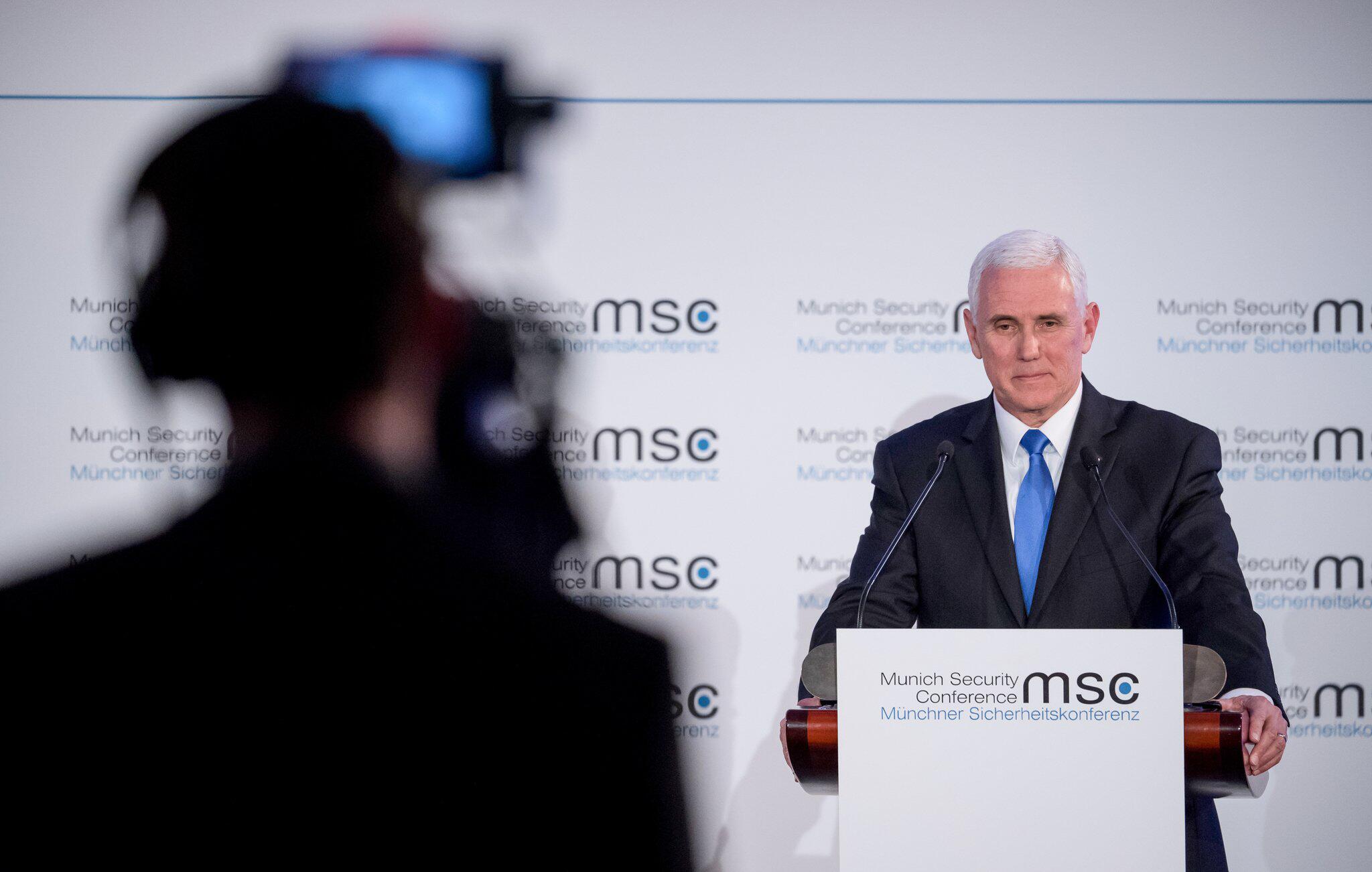 Bild zu 55. Münchner Sicherheitskonferenz - John McCain Preis