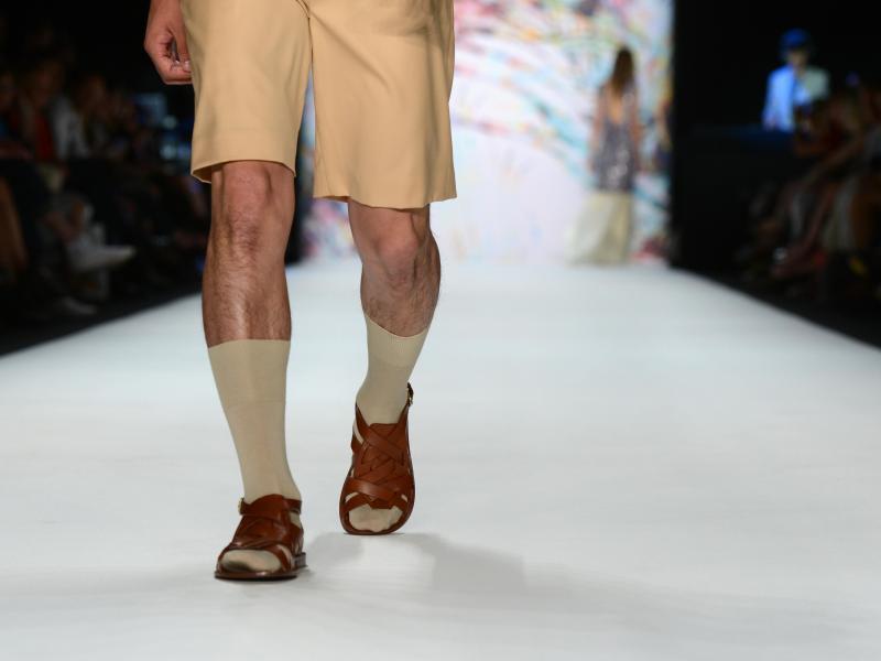 Bild zu Kurze Hosen und Sandalen im Job?